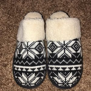 Lucky Brand Slippers